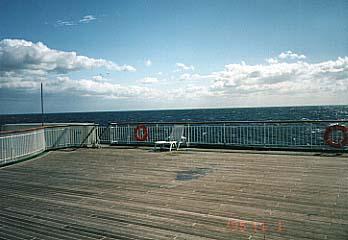 板張りの甲板