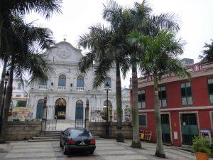 望德聖母堂(聖ラザロ教会)の入口
