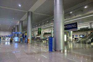 タンソンニャット国際空港到着ロビー