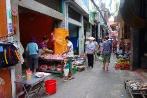 路地の即席市場#1